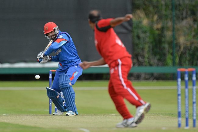 Nawroz Mangal of Afghanistan, in action against Munis Ansari of Oman.