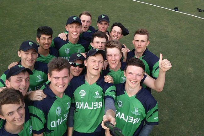 Ireland U-19 take the winning selfie.
