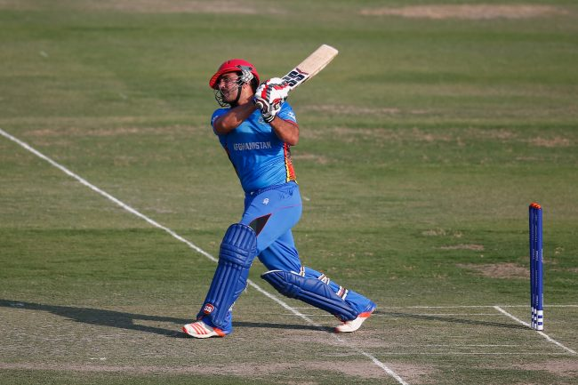 Samiullah Shenwari plays a shot