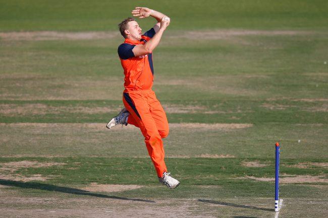 Logan van Beek in his run up